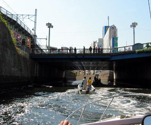 水道橋(水面からの眺め)